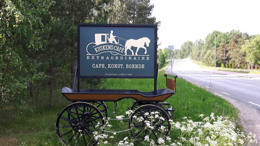 Kuskens Café - Café, Konst och Boende