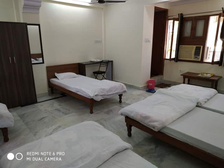 Boby Home Stay-Family Deluxe Room- Kishan Pole Bazar, Inside Ajmeri Gate, Jaipur, Rajasthan