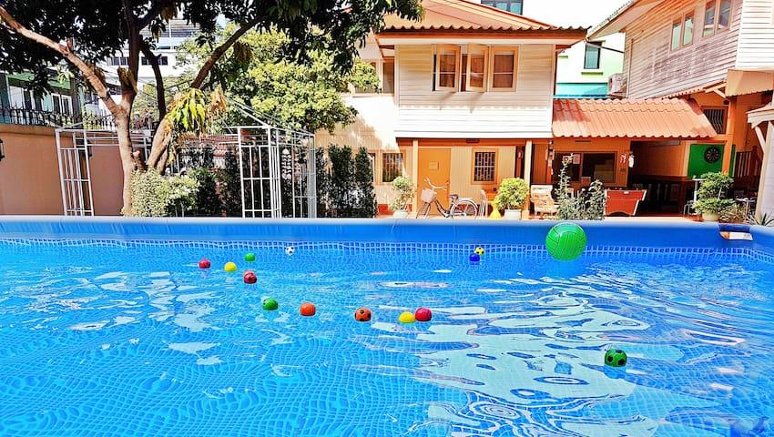 Holiday Home/Pool/Garden/Restaurant/Bangkok center