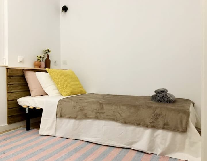 Single room in Alicante center 02