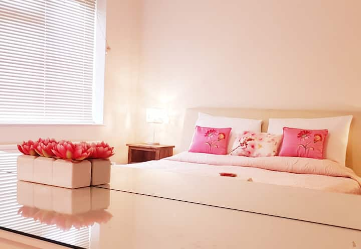 Faraday Place - Spacious 2 x Bedroom Apartment