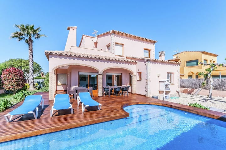 Luxurious Villa St Pere Pescador with Swimming Pool