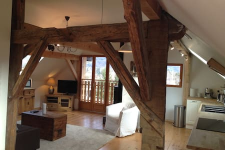 Renovated French Alpine Farmhouse, Two Bed Appt. - Saint-Pierre-en-Faucigny