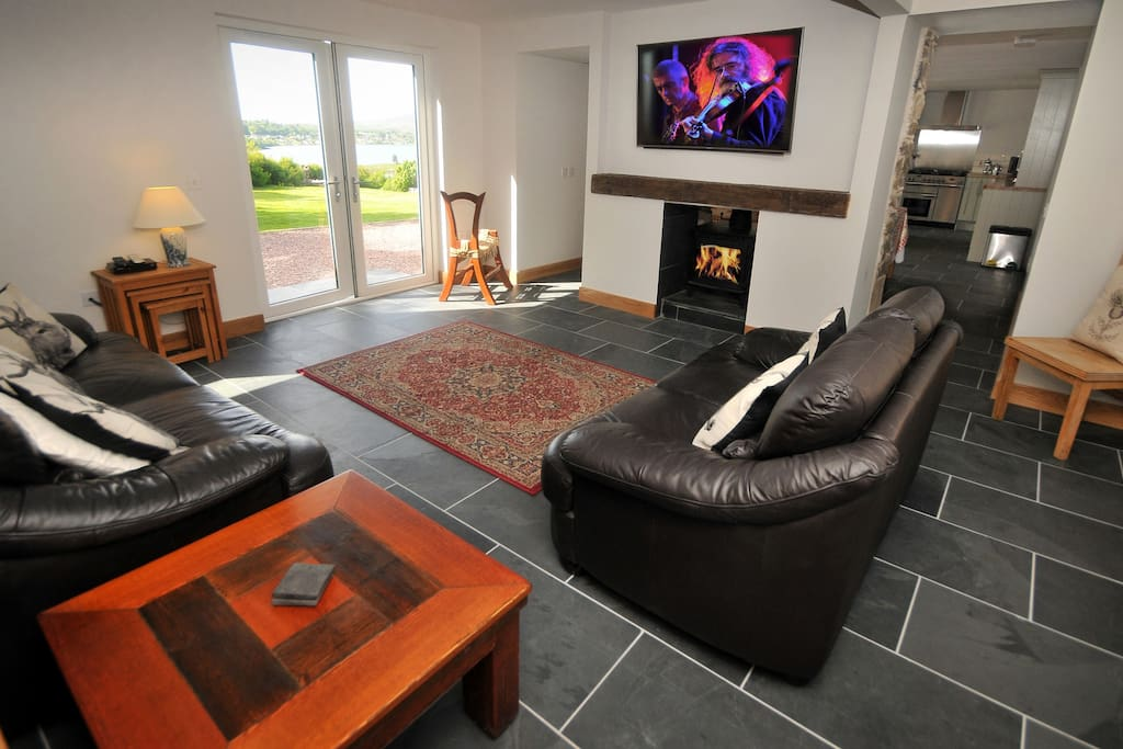 Spacious Lounge with 55 inch HDTV
