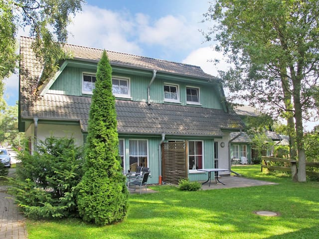 House Doppelhaushälfte for 4 persons in Zinnowitz