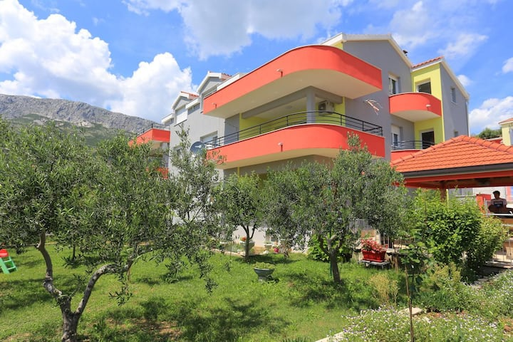 Three bedroom apartment with terrace Solin, Split (A-17669-a)