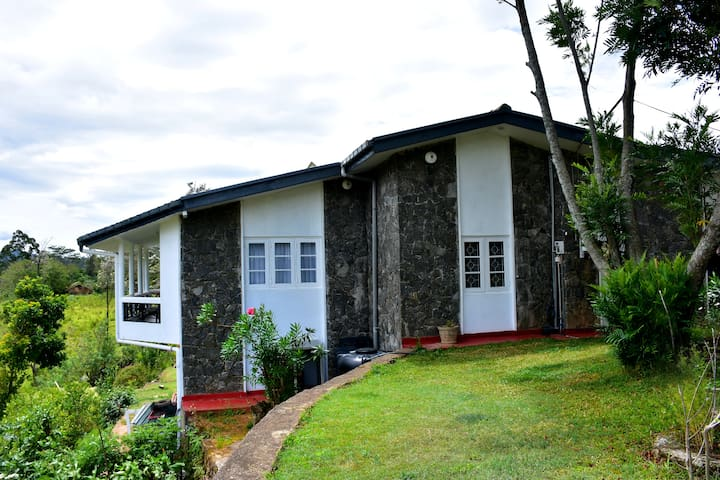 Ella Sisilasa Holiday Bungalow