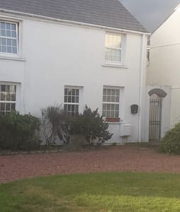 One bedroom apartment close to Porthcawl amenities