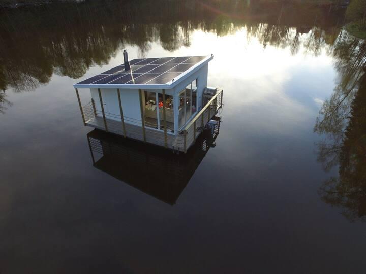 Sol Husbåt