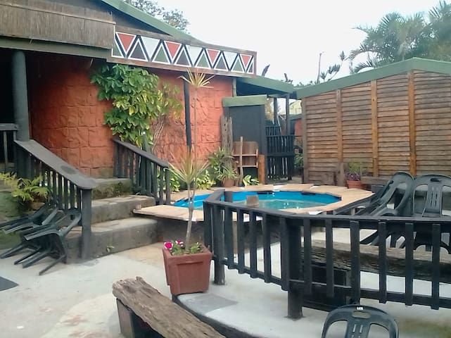 International backpackers accommodation in SA