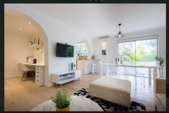 Bright & Stylish Double Room near to Bondi Beach.