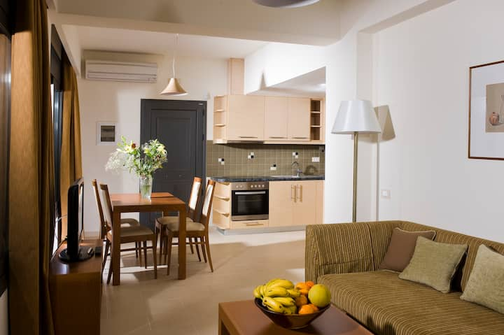 Apartment Dimitra with private pool
