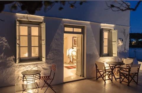 Karissa Elegant Sifnian House