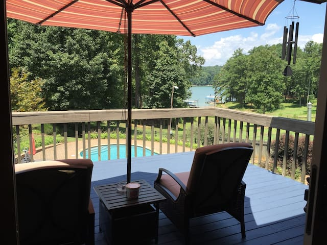 The Redman Retreat - Lake Lanier - Oakwood - Casa