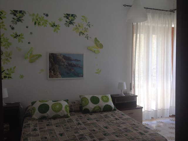 Ascea. Appartamento in riva al mare - Marina di Ascea - Apartemen