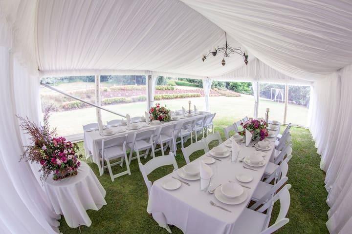 Dandenong Ranges Weddings.  Intimate Wedding Venue