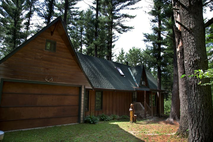 Pine Tree Oasis in Wisconsin Dells - Wisconsin Dells - Rumah