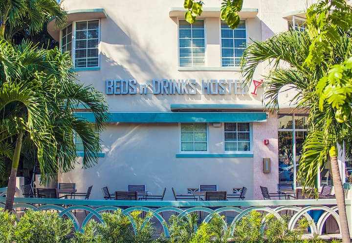 Beds N Drinks Hostel (8 Bed Mixed Dormitory)