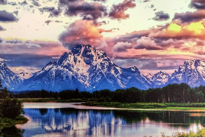 """Sweet Family Home """" Gateway to the Tetons """""""