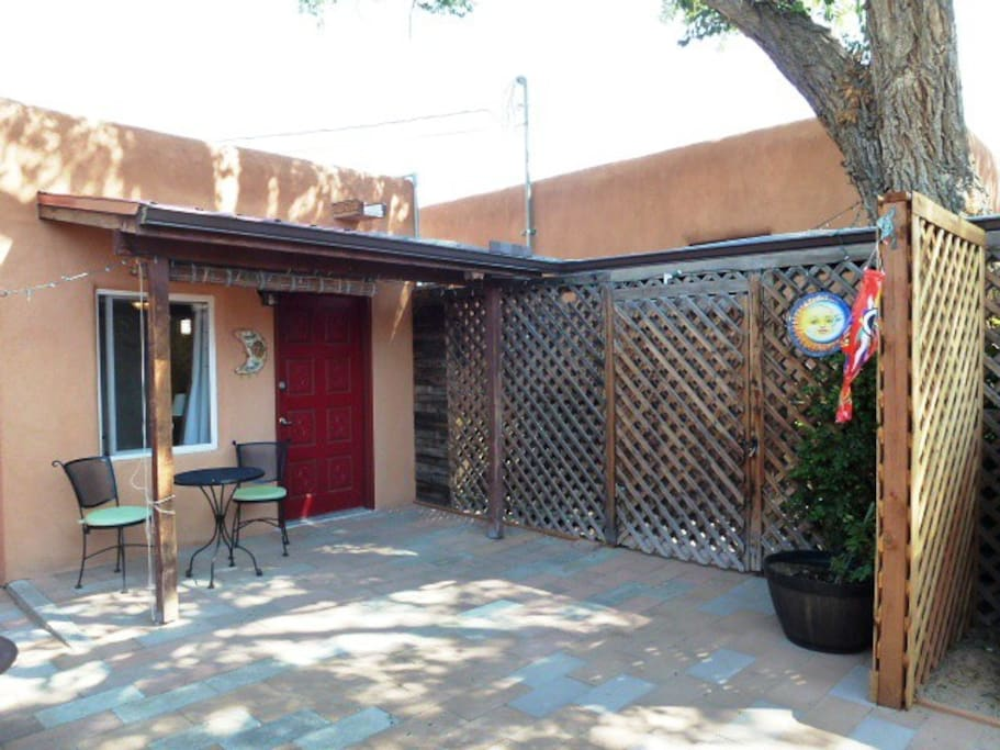 One Bedroom Apartment Near Airport And Unm Apartments For Rent In Albuquerque New Mexico