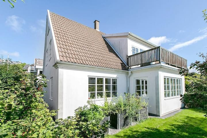 Newly renovated house in the heart of Mölle