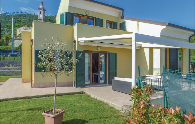 Holiday cottage with 3 bedrooms on 120m² in Loano -SV-