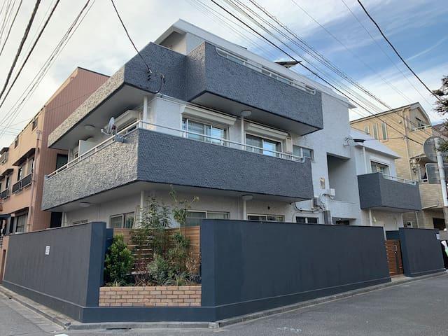 Andy Garden Inn 東京新宿Andy的花園旅館202室 2張大床及1個沙發床 東新宿