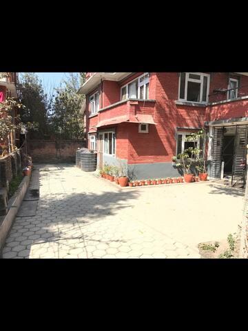 Entire floor for a peaceful stay in Kathmandu - Kathmandu - Rumah