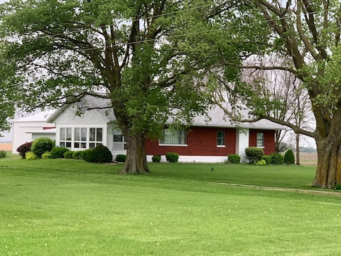 Helen's Place - Country/Farm Home
