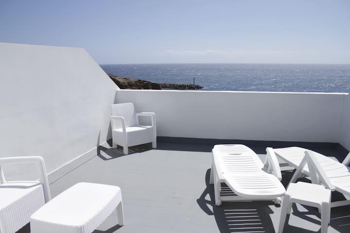 Hogar frente al mar. Apartamento sur de Tenerife.