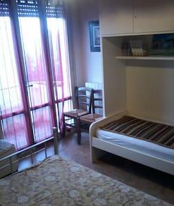 Casa a 100 metri dal mare - Lucca - Departamento
