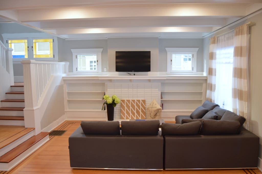 Spacious and Comfortable Seating for Lounging