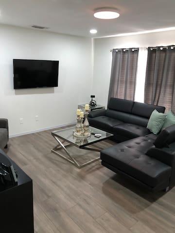 McAllen /Pharr modern style condo great location