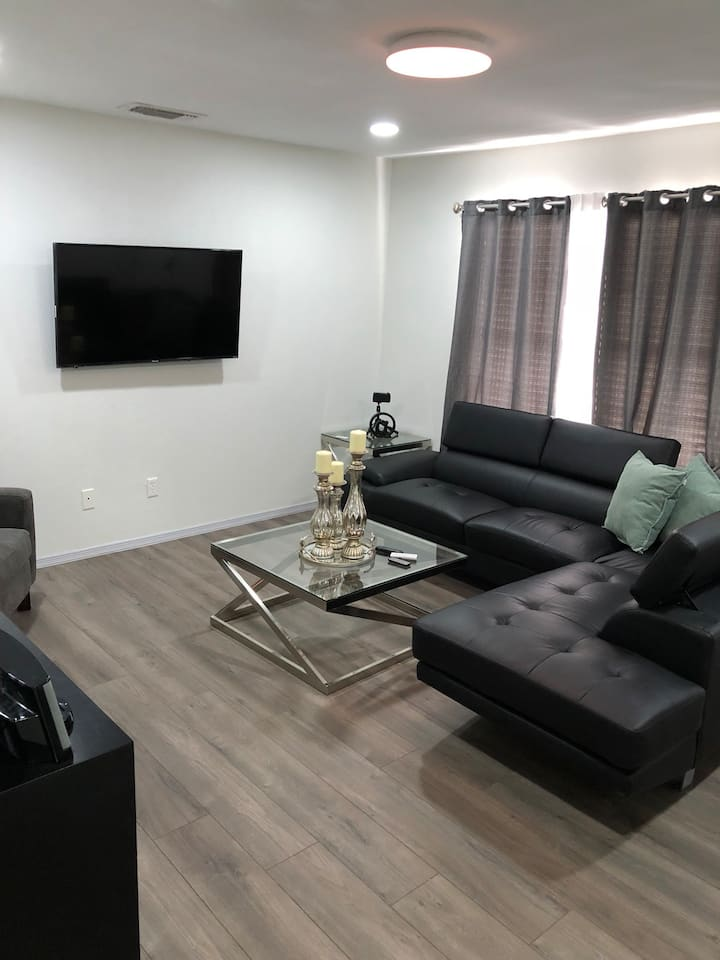 McAllen /Pharr modern style condo great location