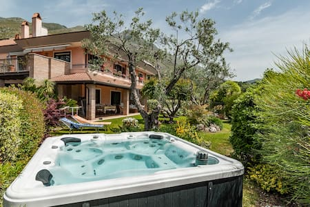 Great Villa sea view,jacuzzi between Rome & Naples - Formia