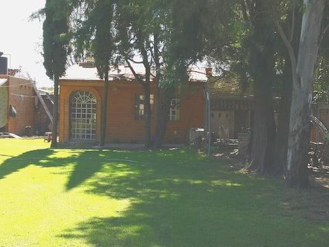 Terraza y Cabañas Capricho  Cabaña Chica