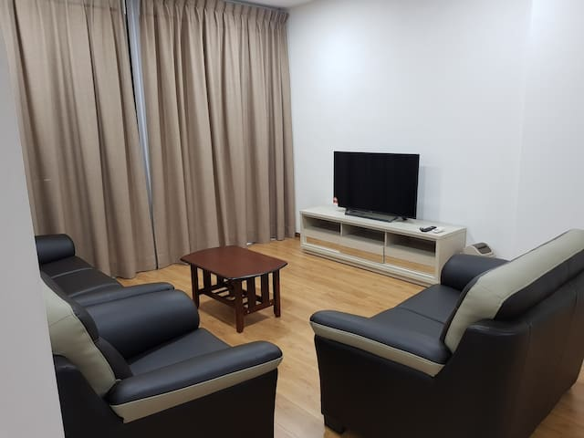 3 BEDROOMS APARTMENT FOR RENT (LONG TERM)