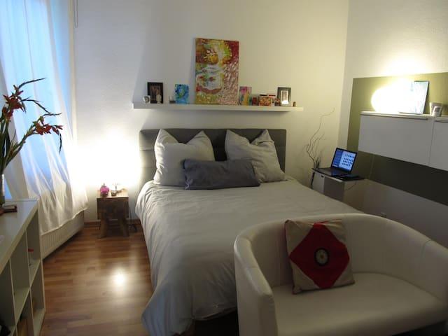 Ruhiges, energievolles Zimmer in Mitte Berlins