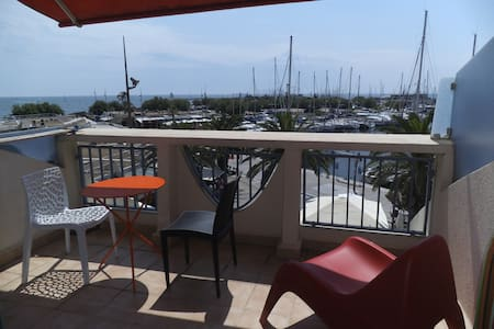 Terrasse sur la mer et le port à La Grande Motte - La Grande-Motte - Departamento