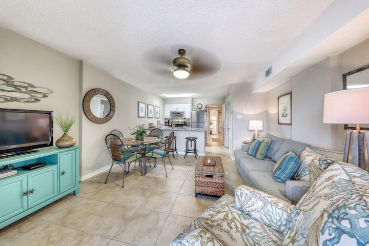 Gulf front condo with community outdoor and indoor pools, hot tub, and sauna!