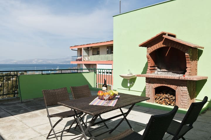 Terrace,barbecue,sea view studio