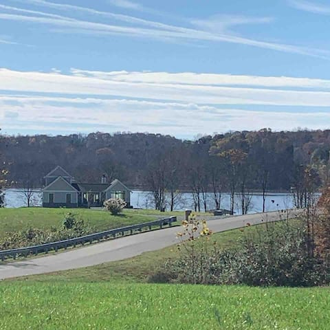 Peaceful Lake Anna home with access to boat dock