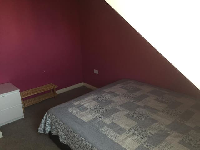 Small size Bed & Bigger Room to Stay in Liverpool