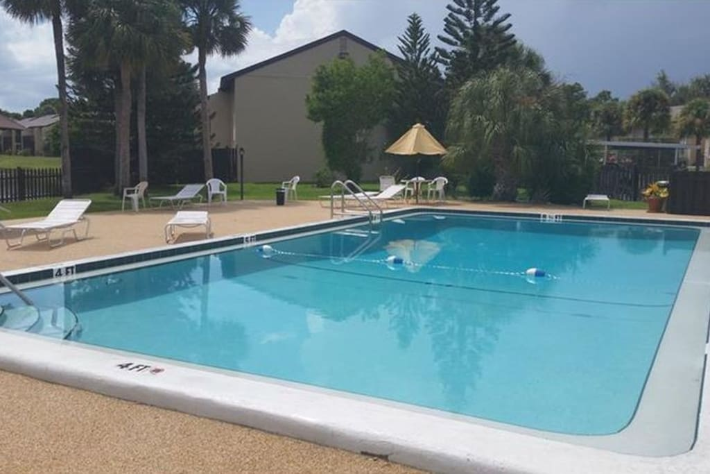 2 Bedroom Pool Condo Near Downtown And Beaches Condominiums For Rent In Sarasota Florida