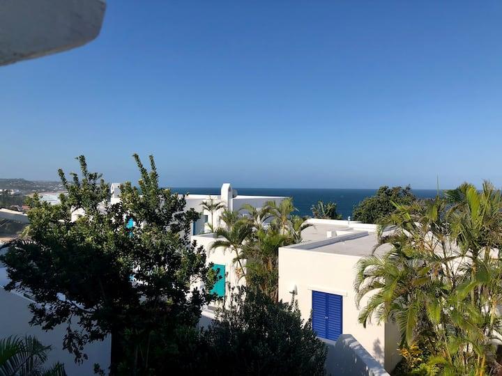 42 Thira - Beautiful Beach apartment