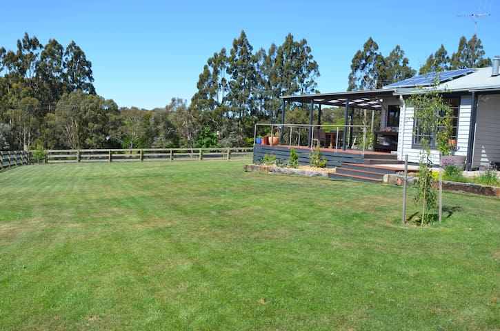 Family home in the Wombat Forest - Lyonville - Casa