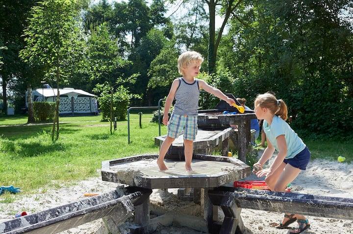 Safaritent op Camping de Gronselenput, Nederland