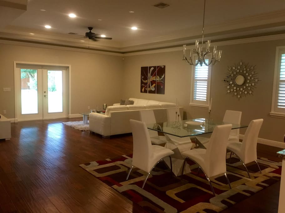Open Space, modern, clean and welcoming