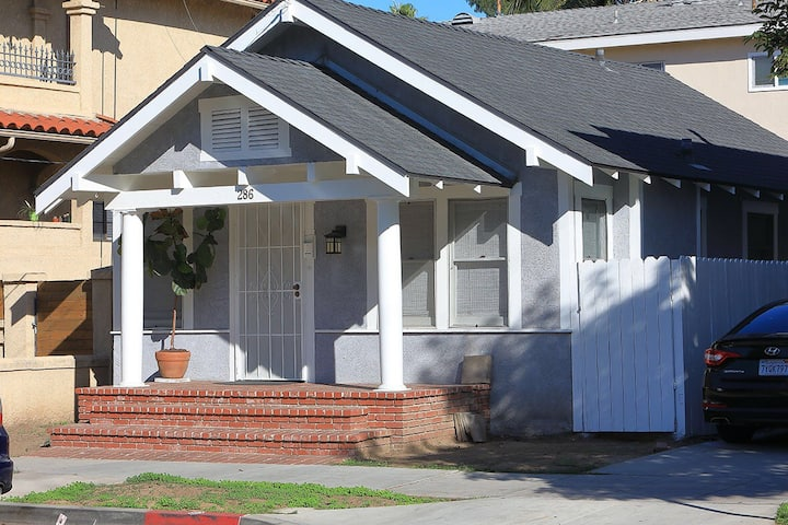 Craftsman Cottage Blocks to Beach and Downtown
