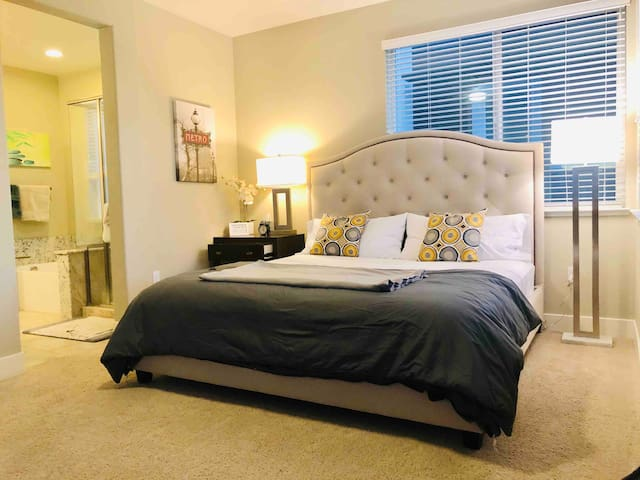Luxurious Master suite with garage parking - TLM